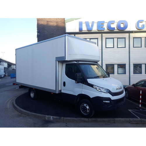 Iveco Daily 35C18 Hi-Matic 16ft (4.87m) Luton