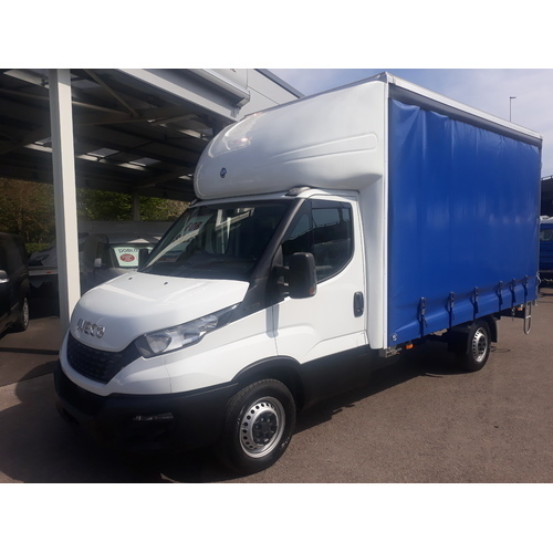 Iveco Daily 35S14 Complete with 4.2m Curtainside Body - GUE000529