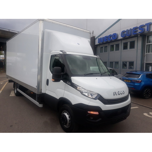 Iveco Daily MY16 72C18A8 Automatic complete with Box Body - GUE000542