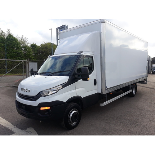 Iveco Daily MY16 72C18A8 Automatic complete with Box Body & Tail lift - GUE000545