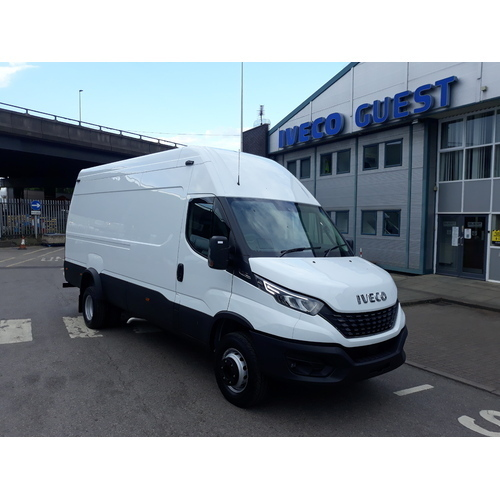 Iveco Daily 70C18HA8 Automatic 18Cu Van